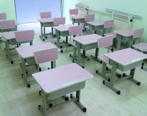 学校桌椅回收